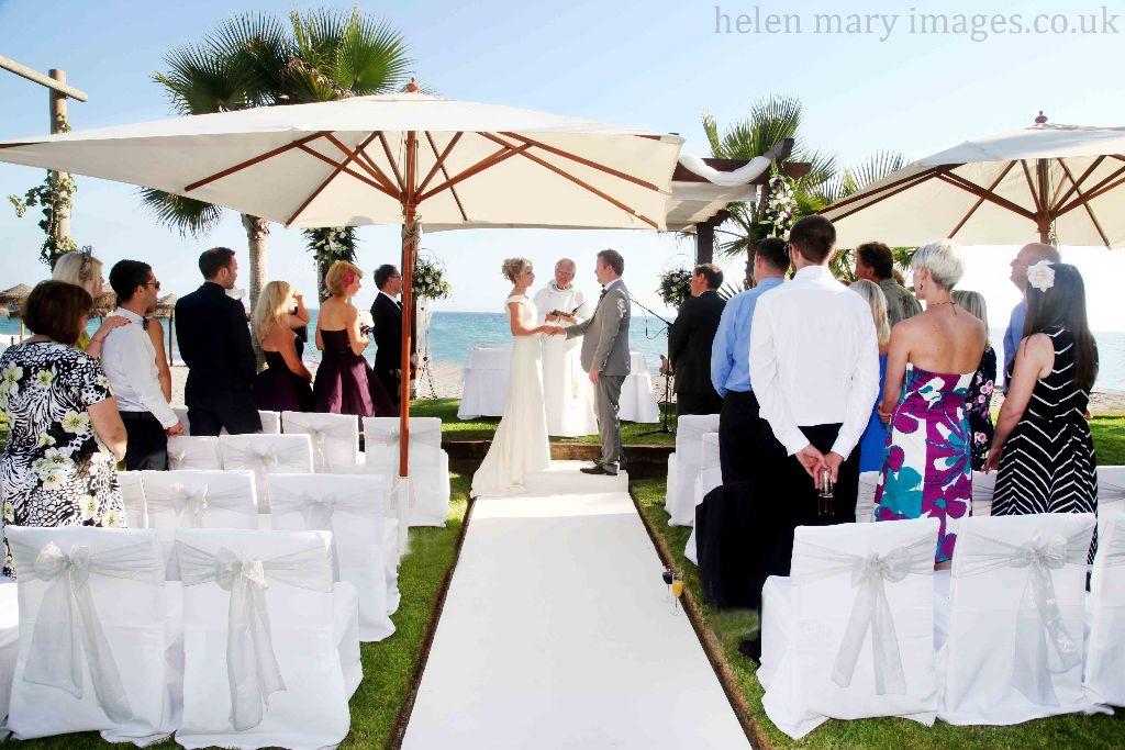 fb101 - Hale bride marries in Malaga, Spain