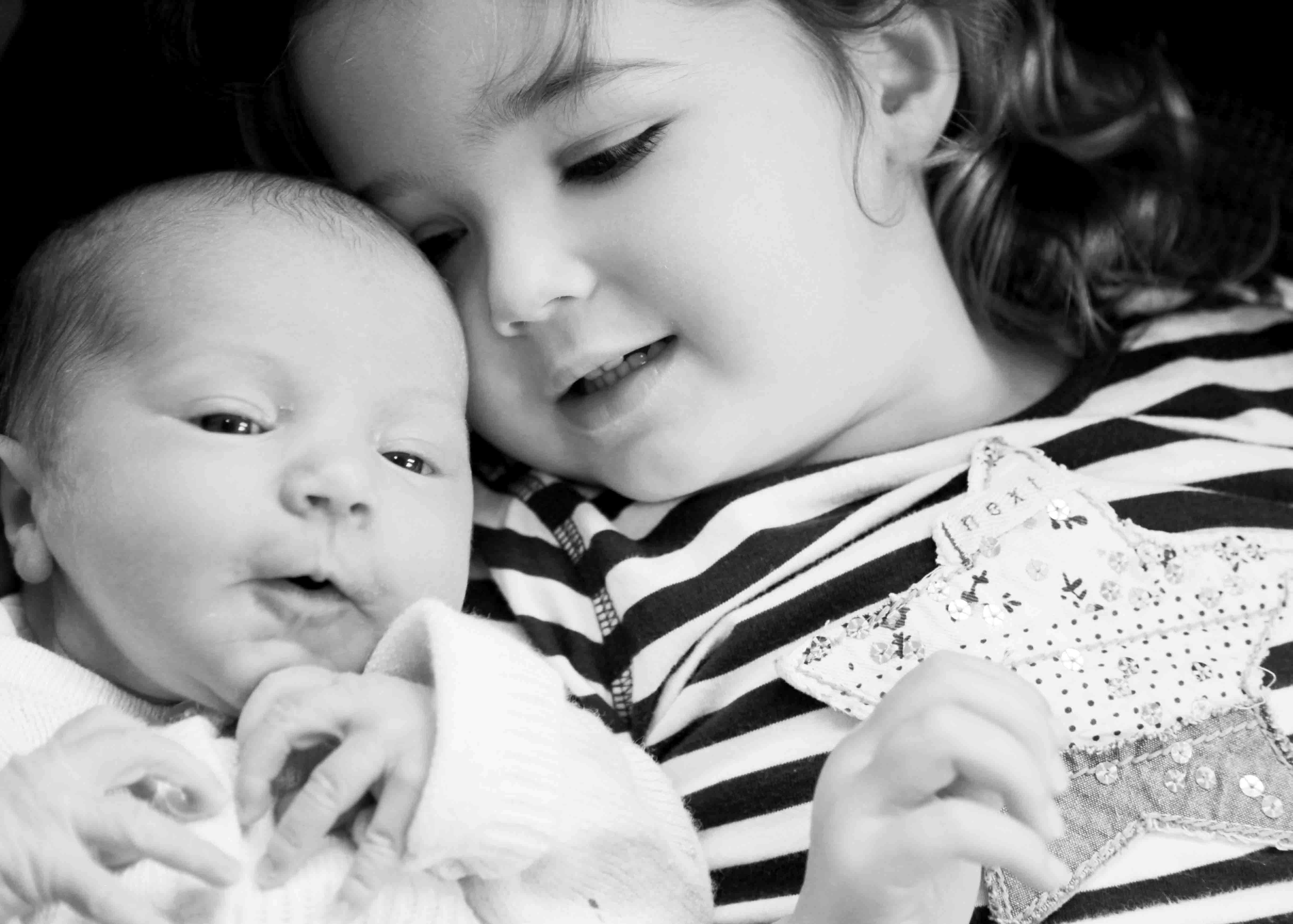 sisters - Chesire: new baby shoot
