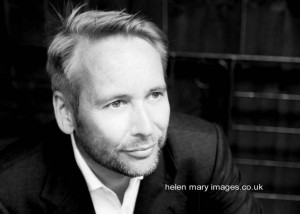 Read more about the article Portrait photography in Hale Barns, Cheshire for a business website