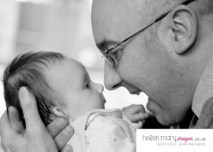 Read more about the article New baby photo sessions Hale and Altrincham