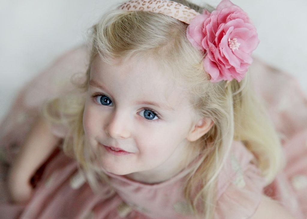 Girl in pink 1024x731 - Childrens Photography